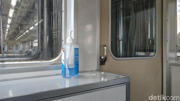 hand sanitizer di KRL