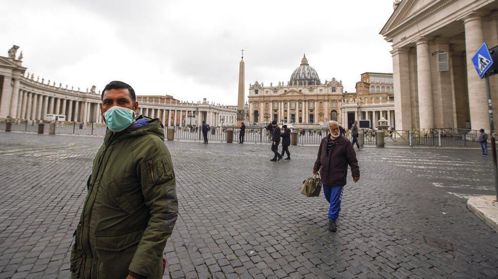 Vatikan Tutup Semua Gereja Katolik di Roma Untuk Bendung Virus Corona