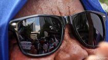 Tolak Omnibus Law, Buruh Perempuan Geruduk Kemen PPPA