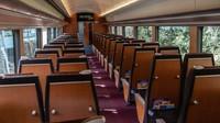 Ini Hakone Romancecar, Jepang. Kereta wisata antara Stasiun Hakone dan Shinjuku di Tokyo masih berjalan, tetapi sangat sedikit penumpang yang mendaftar untuk menumpanginya(Foto: CNN)
