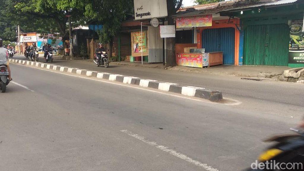 Sempat Menumpuk, Sampah di Tengah Jalan Kota Tangerang Sudah Diangkut