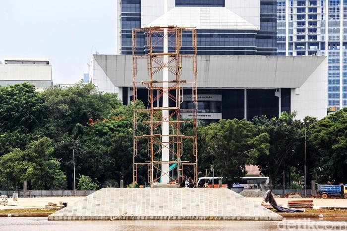 Proyek revitalisasi Monas terus dikerjakan, Sabtu (7/3/2020). Yuk lihat progres proyek yang sempat dihentikan sementara itu.