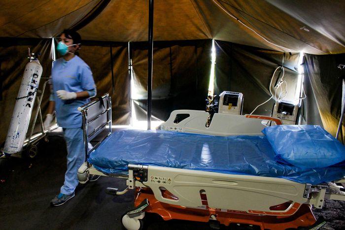 Berbagai upaya dilakukan oleh negara-negara lain dalam mengendalikan penyebaran Virus Corona (COVID-19). Siloam Hospitals Group pun akhirnya mulai menerapkan langkah-langkah itu sedari dini. Apa saja?