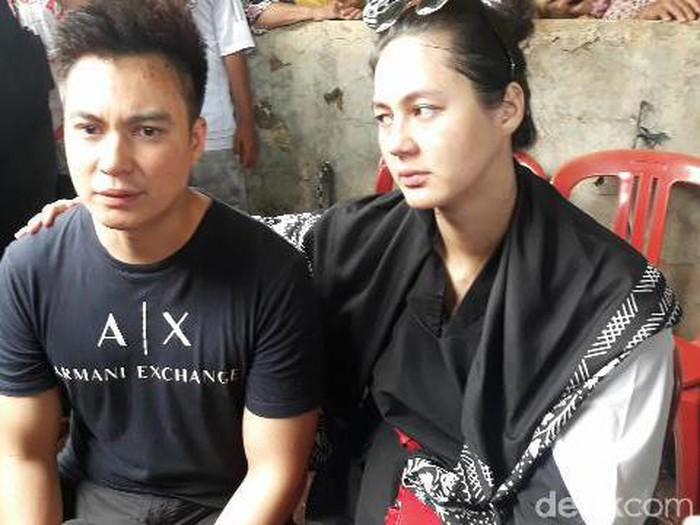 Pemakaman ibunda Baim Wong (Dian Firmansyah/detikcom)