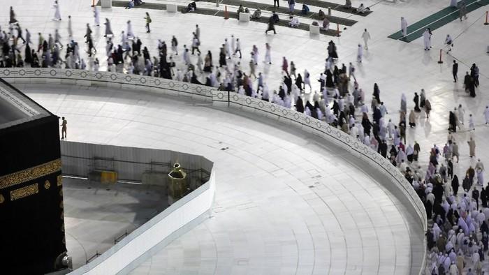 Pemerintah Arab Saudi kembali membuka pelataran tawaf Masjidil Haram. Namun, pembukaan pelataran tawaf ini bukan untuk jemaah umrah. Melainkan hanya untuk tawaf-tawaf sunah.