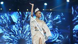 Miss Universe 2019 Senang Bisa Pakai Busana dari Tenun NTT