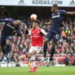 Lubang Besar Arsenal Menurut Dennis Bergkamp