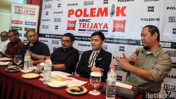 Diskusi bertema 'WNI ISIS dipulangkan atau dilupakan?' digelar di Jakarta. Diskusi dihadiri mantan Kepala BNPT Ansyaad Mbai dan mantan napi teroris Haris Amir Falah.  Diskusi yang membahas nasib WNI eks ISIS digelar di Hotel IBIS Tamarin, Jl KH Wahid Hasyim, Jakarta Pusat, Sabtu (7/3/2020).