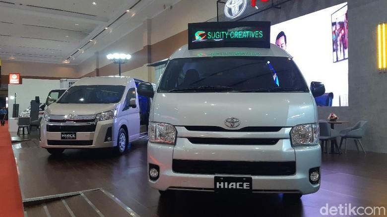 Toyota HiAce jadi angkutan umum