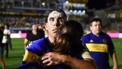 Ciuman Tevez dan Maradona di Balik Gelar Juara Boca
