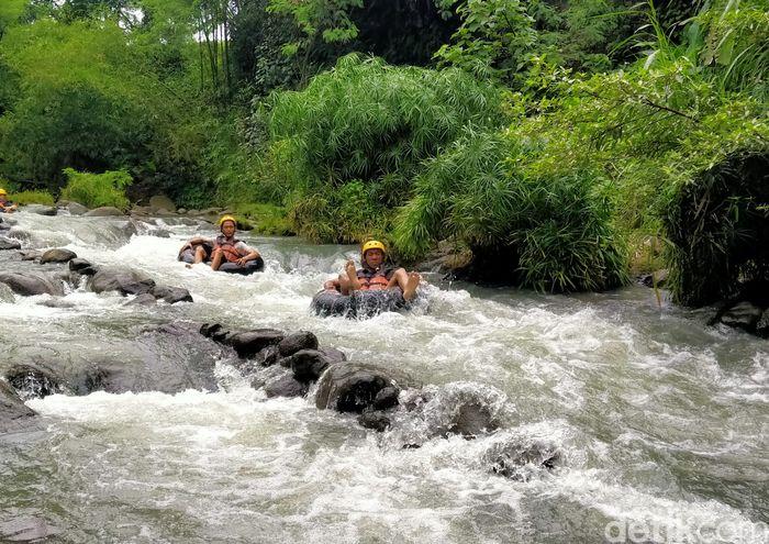 River Moon Kali Pusur Outbound dan Camping