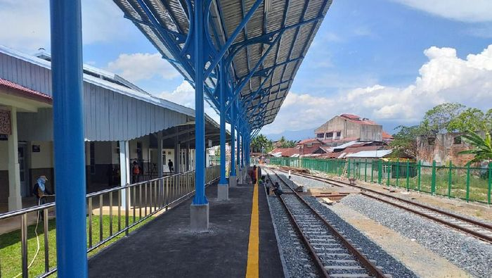 Jalur kereta Padang-Pulau Air