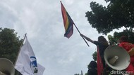 Ada Massa LGBT di Aksi Hari Perempuan Sedunia di Depan Istana