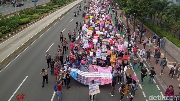 Massa hari perempuan internasional di Jakarta.