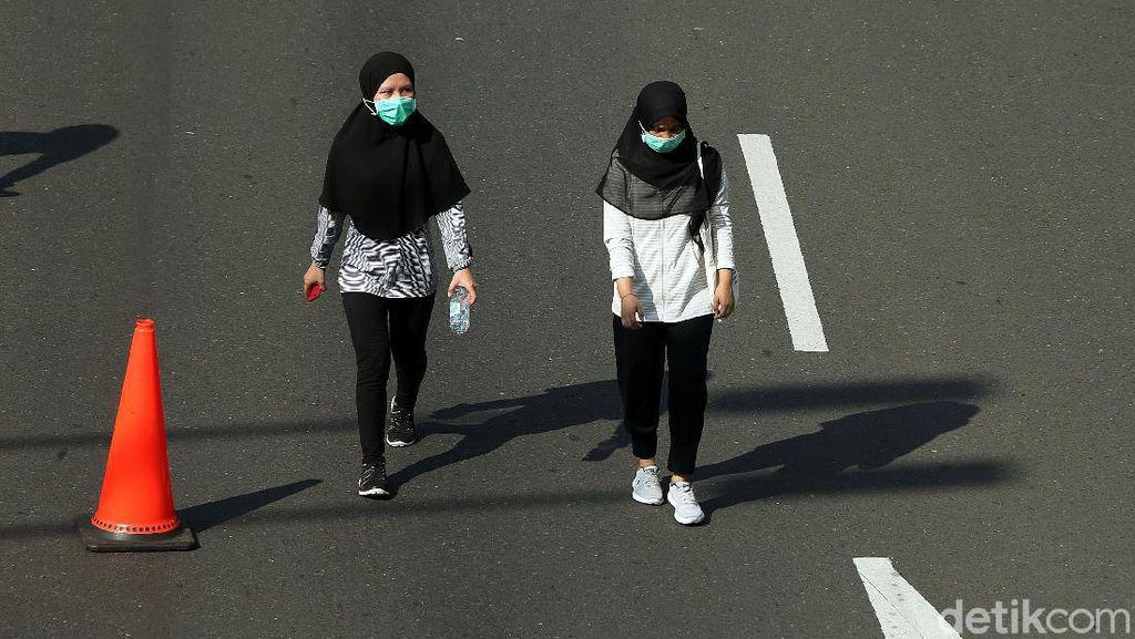 Warga Harus Bermasker Saat Naik Angkutan Umum di Kota Bandung