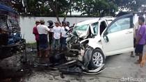Mobil Sarat Penumpang Vs 2 Truk di Rembang, 2 Tewas dan 8 Luka