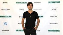 Bersihkan Sampah di Bali, Aktor Hollywood Adrian Grenier Beri Pesan Penting