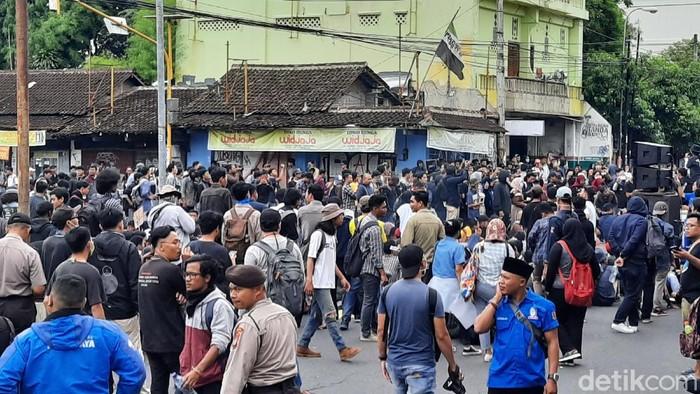 Massa GejayanMemanggilLagi di Yogyakarta, Senin (9/3/2020).