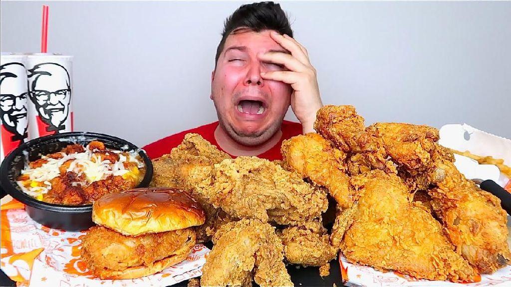 Selain Hobi Makan, 5 Food YouTuber Ini Juga Hobi Cari Masalah