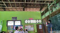 Dear Bupati Ipong, Atap Ruang Kelas SDN 3 Pelem Rusak Parah Nih