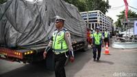 Duh! Truk ODOL Bikin Jalanan Cepat Rusak, Rencana Buat 10 Tahun Jadi 3 Tahun