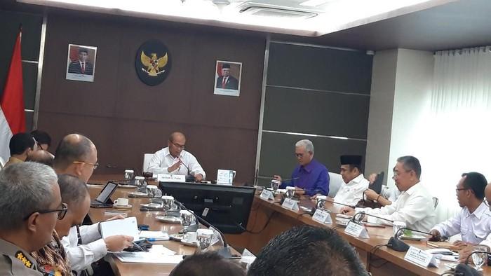 Menko PMK gelar rapat tingkat menteri bahas revisi hari libur nasional (Foto: Rahel/detikcom)