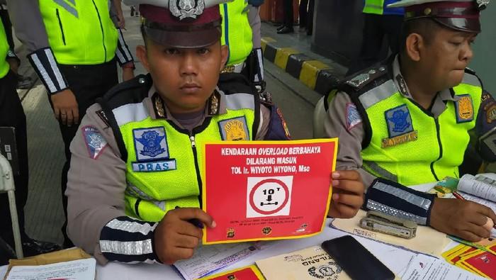 Mulai Hari Ini Truk Obesitas Haram Lewat Tol Sepanjang Tanjung Priok ke Bandung
