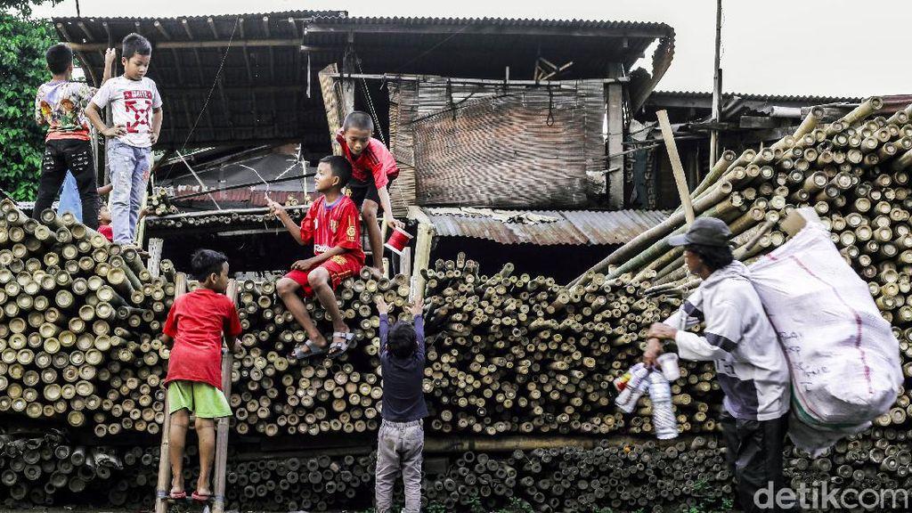 Pengrajin Bambu Masih Eksis di Jakarta