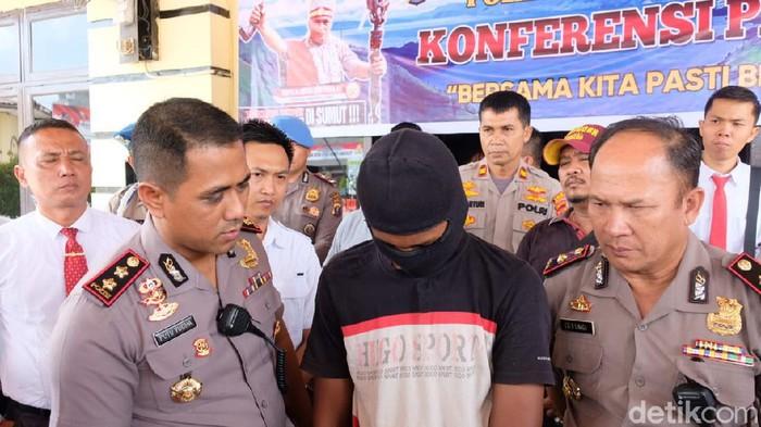Pembunuh dan pemerkosa siswi di Tanjungbalai, Sumut, ditangkap polisi (Datuk Haris Molana/detikcom)