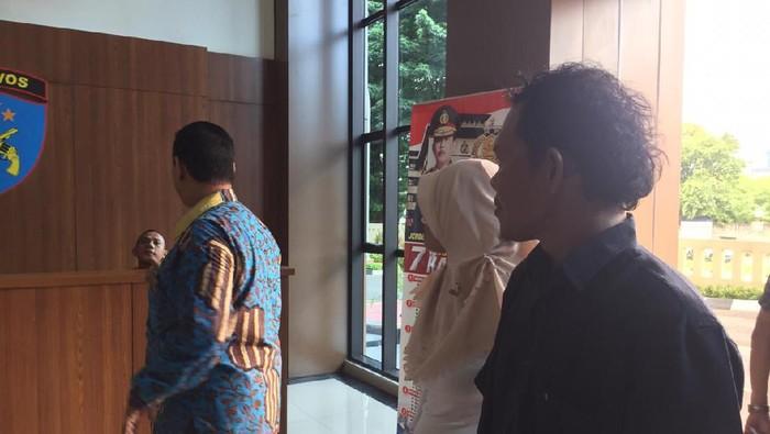 Keluarga dan pengacara anak korban pembunuhan datangi Polres Jakpus