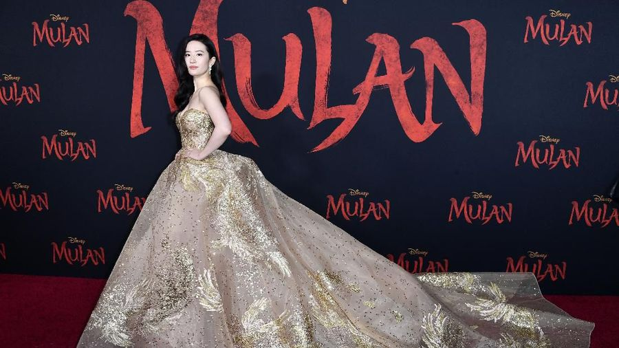 LOS ANGELES, CALIFORNIA - MARCH 09: Yifei Liu attends the Premiere Of Disneys Mulan on March 09, 2020 in Los Angeles, California. (Photo by Frazer Harrison/Getty Images)