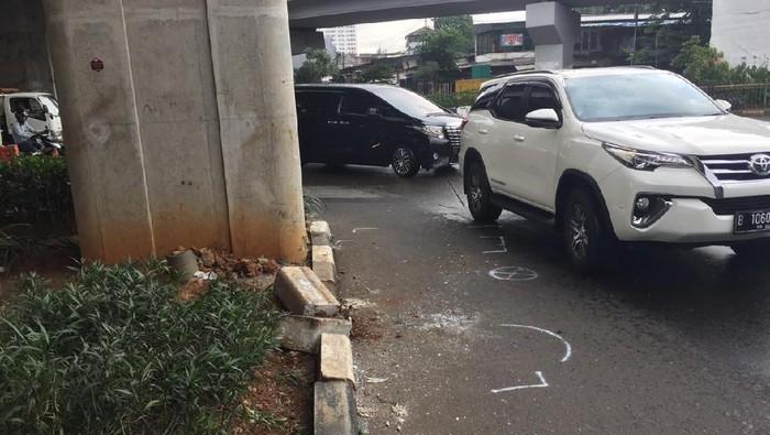 Lokasi kecelakaan Pajero ditabrak bus Transjakarta