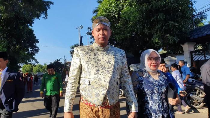 Wali Kota Rahmat Effendi Peringakti HUT ke-23 Kota Bekasi dengan berbaju adat