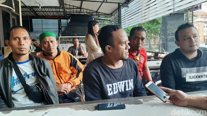 Sejumlah warga di Kota Malang mengadukan oknum polisi berinisial LK dalam kasus penipuan. Aksi kejahatan itu berkedok peminjaman uang dengan jaminan mobil.