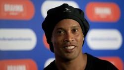 Tak Alami Gejala, Berapa Lama Ronaldinho Bisa Sembuh dari COVID-19?