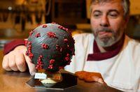 Wow! Chef Ini Bikin Cokelat Telur Paskah Berbentuk Virus Corona