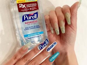 Musim Corona, Wanita Ini Bikin Nail Art Terinspirasi dari Hand Sanitizer