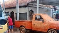 Idih! Isi Tangki Truk Sedot WC Menyembur, 5 Rumah Kena Cipratan Tinja