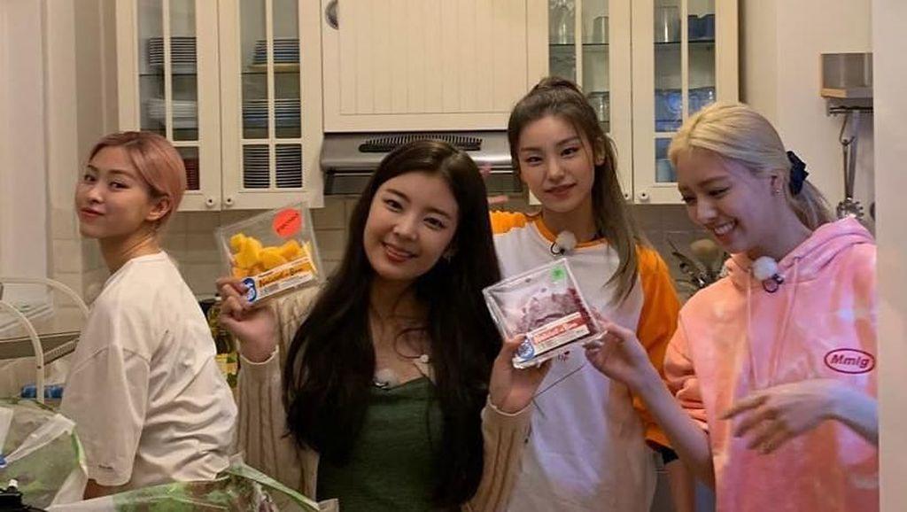 Kulineran Seru ITZY yang Baru Eksis Lagi dengan Lagu Wannabe!