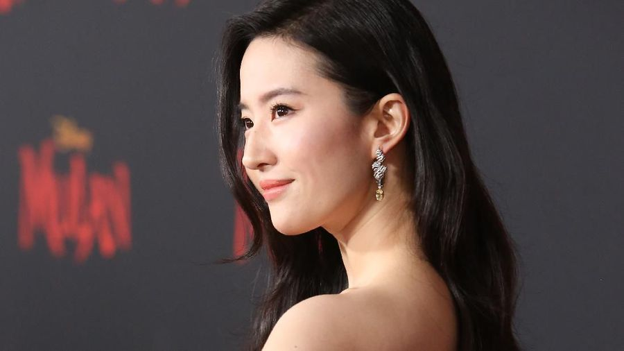 HOLLYWOOD, CALIFORNIA - MARCH 09: Yifei Liu attends the premiere of Disneys Mulan on March 09, 2020 in Hollywood, California. (Photo by Amy Sussman/Getty Images)