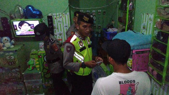 Polisi razia pasangan diduga mesum di Ciamis, Jawa Barat