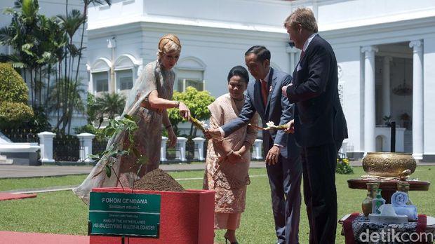 Jokowi-Iriana dan Cucu Sambut Raja Willem dari Belanda di Istana Bogor