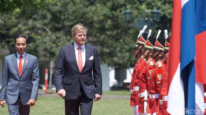 Cucu Jokowi, Sedah Mirah Nasution ikut menyambut Raja Willem dan Ratu Máxima di Istana Bogor.