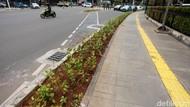 Duh! Jalur Sepeda Ini Kok Nabrak Trotoar