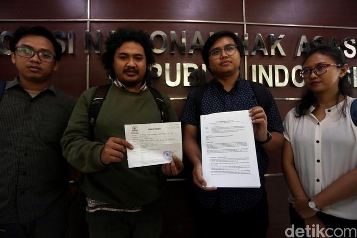 Tim Advokasi untuk Demokrasi melapor ke Komnas HAM. Pelaporan itu terkait adanya dugaan pelanggaran HAM pada penanganan demo September 2019.