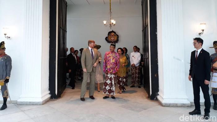 Raja Keraton Ngayogyakarta Hadiningrat, Sri Sultan Hamengku Buwono (HB) X bersama Raja Belanda, Willem Alexander dan Ratu Maxima di Regol Donopratopo, Rabu (11/3/2020).
