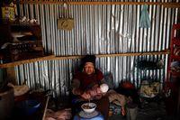 Wanita 'Pengemis Emas' di Pemukiman Tertinggi di Dunia