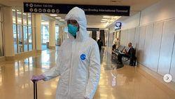 Cegah Tertular Virus Corona, Naomi Campbell Kenakan Pakaian Antivirus