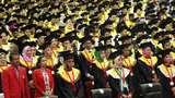 Cegah Penyebaran Corona, Tradisi Jabat Tangan di Wisuda Unhas Ditiadakan