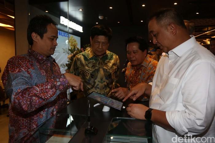Bank Mandiri mendesain ulang kantor cabang di Mal Senayan City, Jakarta. KCP tersebut didesain dengan konsep kekinian dan berorientasi pada edukasi digital.